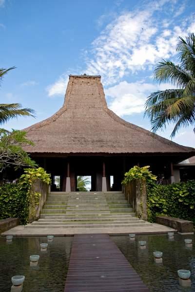 Maya lobby