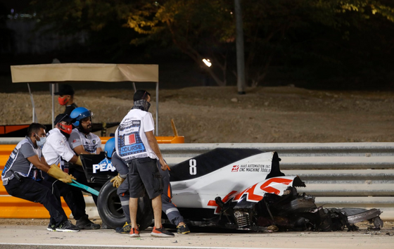 HAMILTON WINS IN BAHRAIN AFTER GROSJEAN INVOLVED IN HORROR CRASH