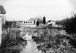 The_steamboat_St._Emile,_an_Oblate_Order_Mission_Ship_on_the_Lesser_Slave_Lake.jpg