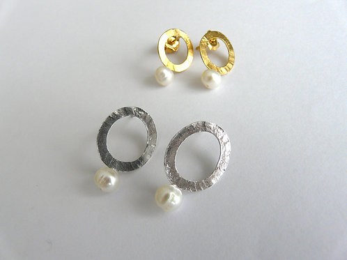 Silver earrings and pearls
