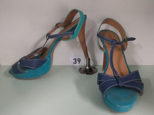 Sandália bicolor