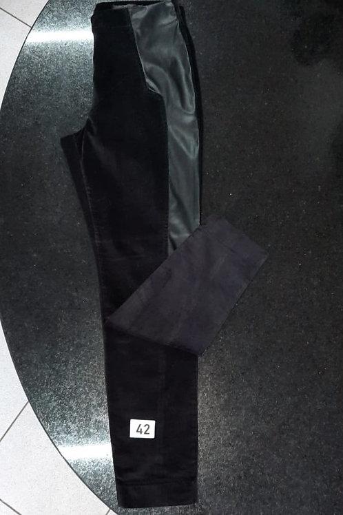 Calça Skinny camurça e couro preta