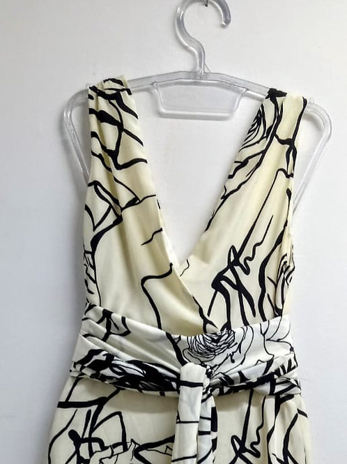 Vestido com estampa floral em seda