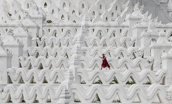088 - C1 - Mandalay jump.jpg