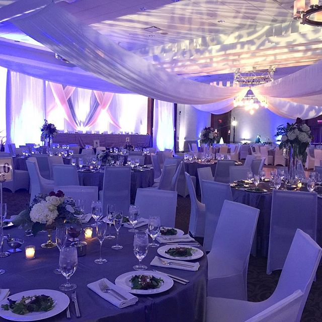 Ceiling & Custom Design Backdrop