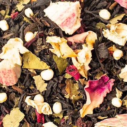 Schwarzer Tee Erdbeeren Rhabarber