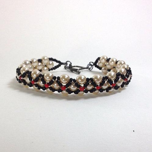 Queen of Hearts Handmade XO Bracelet