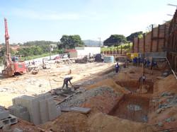 Escavação blocos de fundação