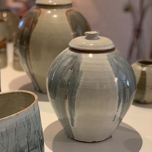 Lidded pot/vase