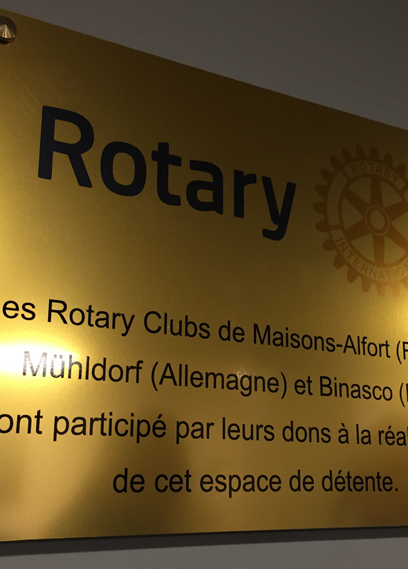 plaque Rotary collaboration Cour Interieure