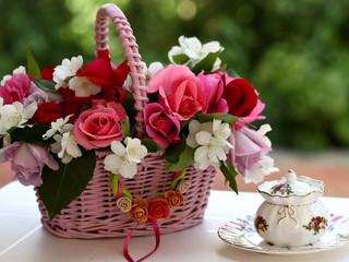 МАСТЕР-КЛАСС.Как сделать корзиночку из живых цветов.
