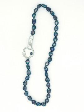 Black Pearl Knotted Single Strand Neckla