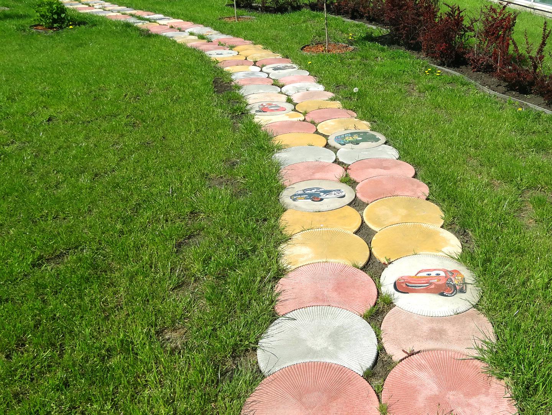 Применение круга, сегмента и полусегмента на садовой дорожке