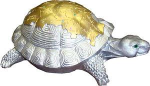 Ландшафтная скульптура Черепаха-карта