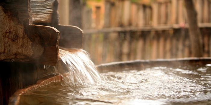 Main hot springs photo.jpg