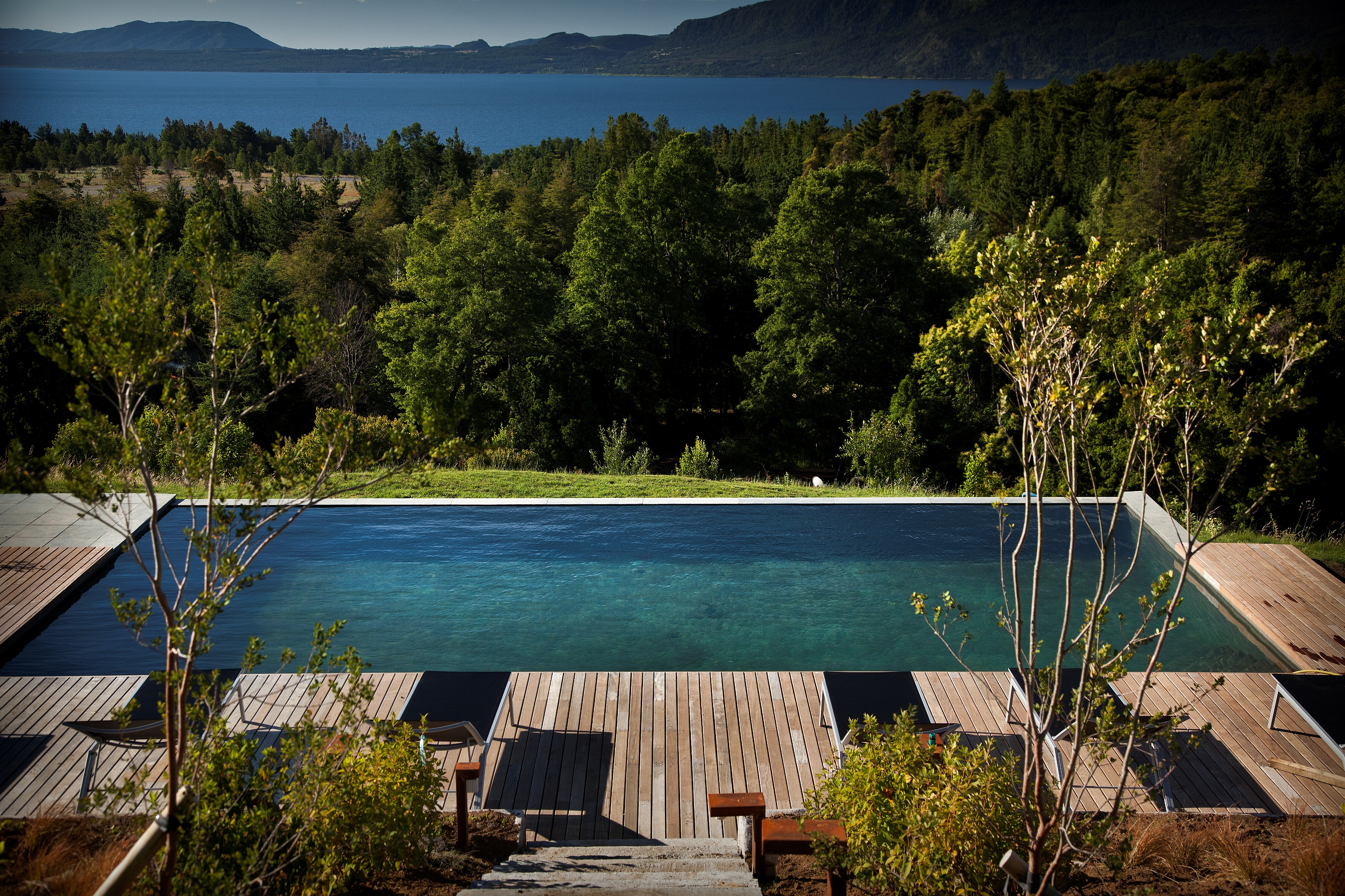 Lake Lodge Hotel Pucon_Pool and View