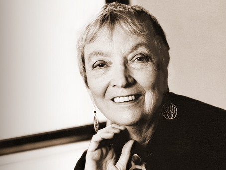 """FLASHES OF THE TRUTH: A THEOLOGY OF ART IN MADELEINE L'ENGLE'S """"WALKING ON WATER"""""""