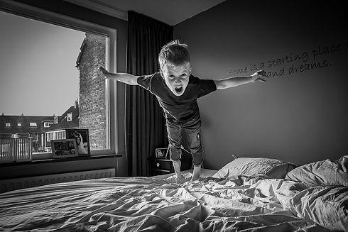 Plezier - Portretfotograaf - Kind en Familie Fotograaf - lifestylefotograaf - kinderfotografie - zwartwitfoto -