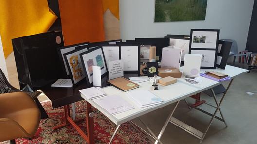 Der ganze Tisch voller Ideen