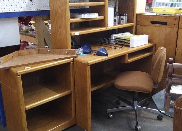 Baraboo - Oak Corner Desk