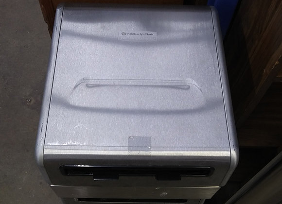 Baraboo - Kimberley Clark paper towel dispenser with motion sensor