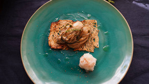 牡蠣のタイムと青唐辛子の香りのオイル漬け。たたみいわしを添えて