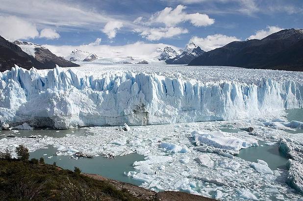 Perito_Moreno_Glacier_Patagonia_Argentin