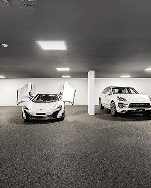 quartz-carpet-flooring-car-showroom.png