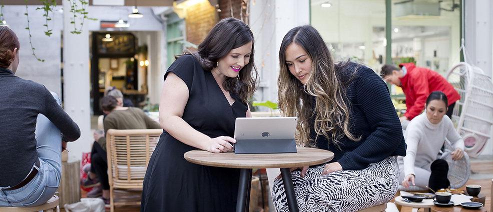 Wendy of Zigzag Creative providing 1:1 Marketing Coaching