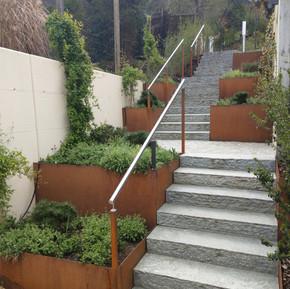 Treppeneinfassung Rohstahl rostend