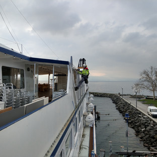 Schiff verkleiden Höhenarbeiter