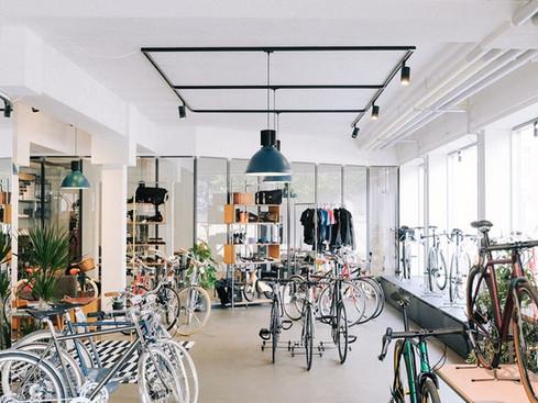 Glaswand für Voyage Cycling Store