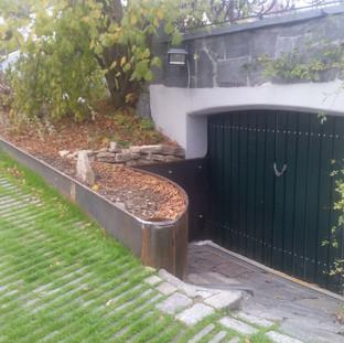 Hochwasserverbauung Rohstahl rostend