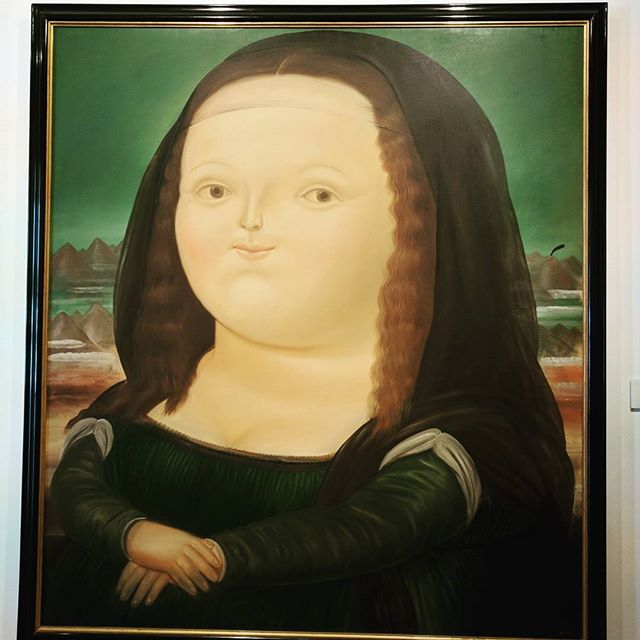 Botero exaggerated painting of the Mona Lisa