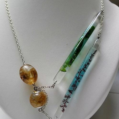 Collier perles résine et algues