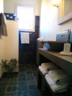Salle d'eau bleue