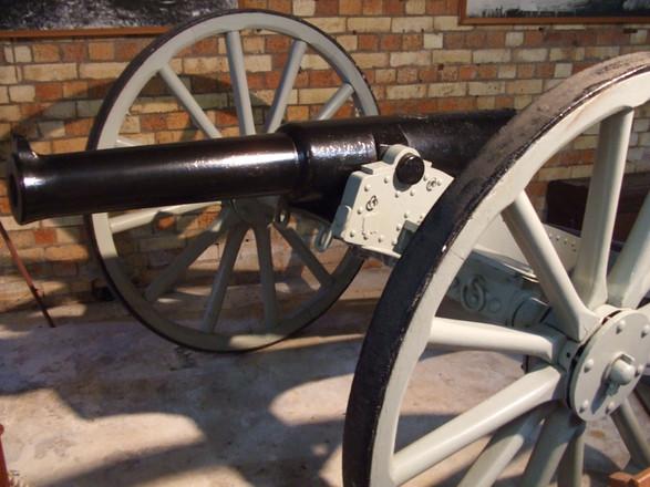 9-pounder RML gun at Fort Lytton