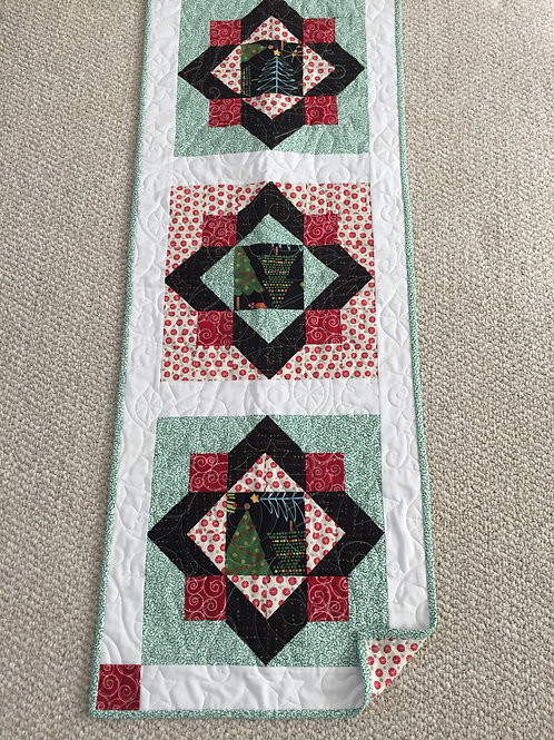 Trees and wreath runner