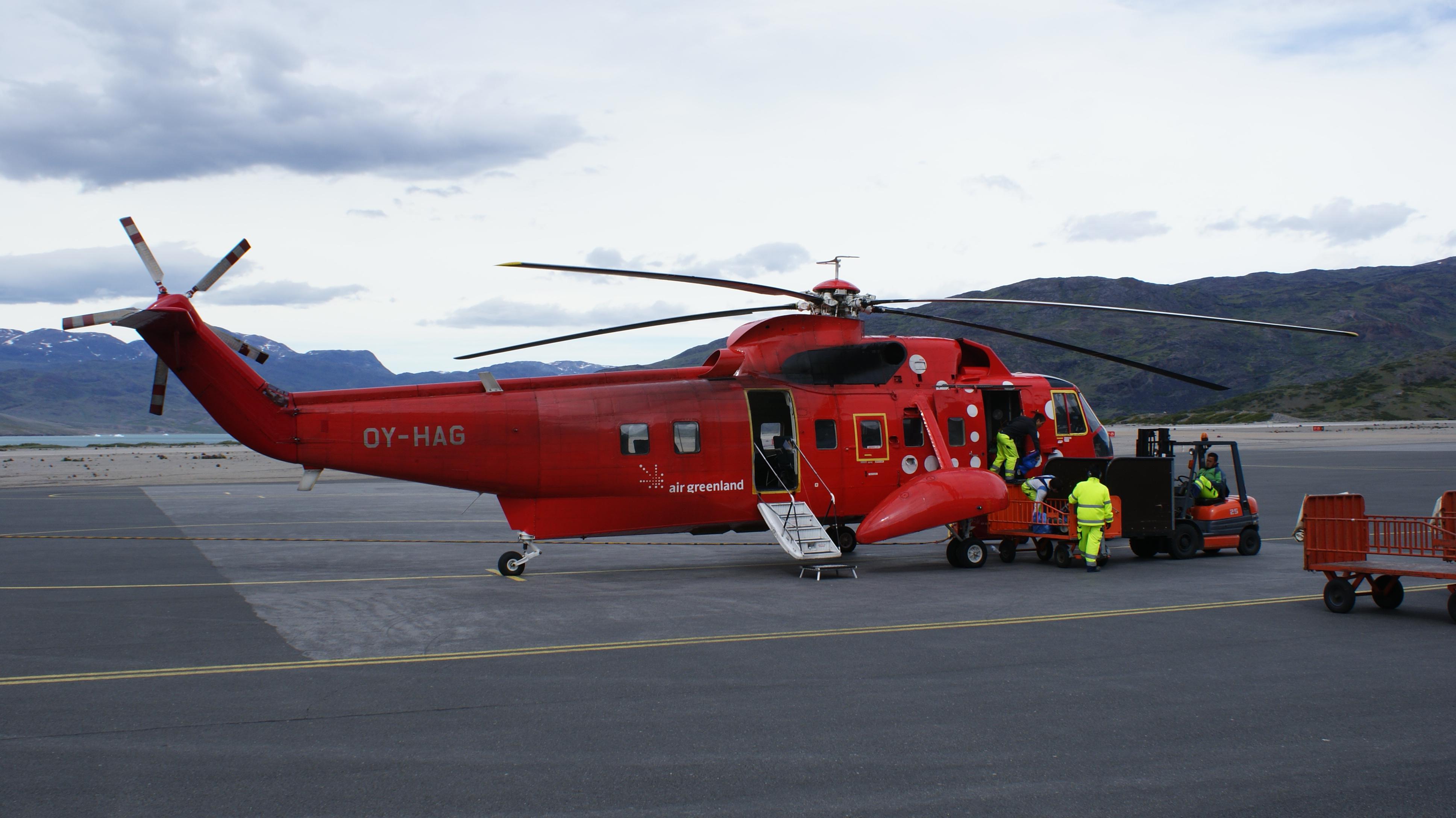 Groenlandia helicoptero rojo