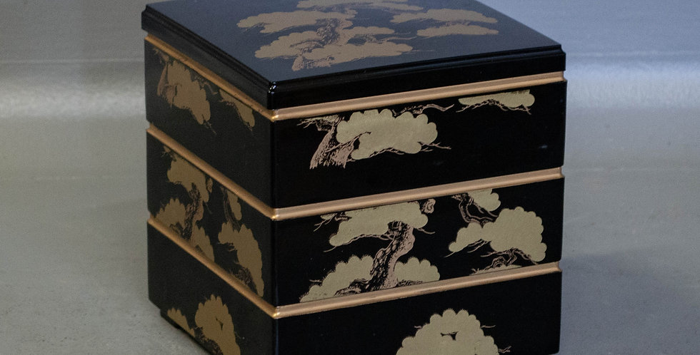 3 Tier Stacking Box Set made of Lacquer