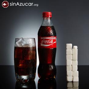 Projeto fotográfico revela o açúcar escondido nos alimentos industrializados.