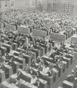 Světová_INSEA_1967_v_Praze_auditorium_během_zahajovacího_projevu__prezidenta_kongresu