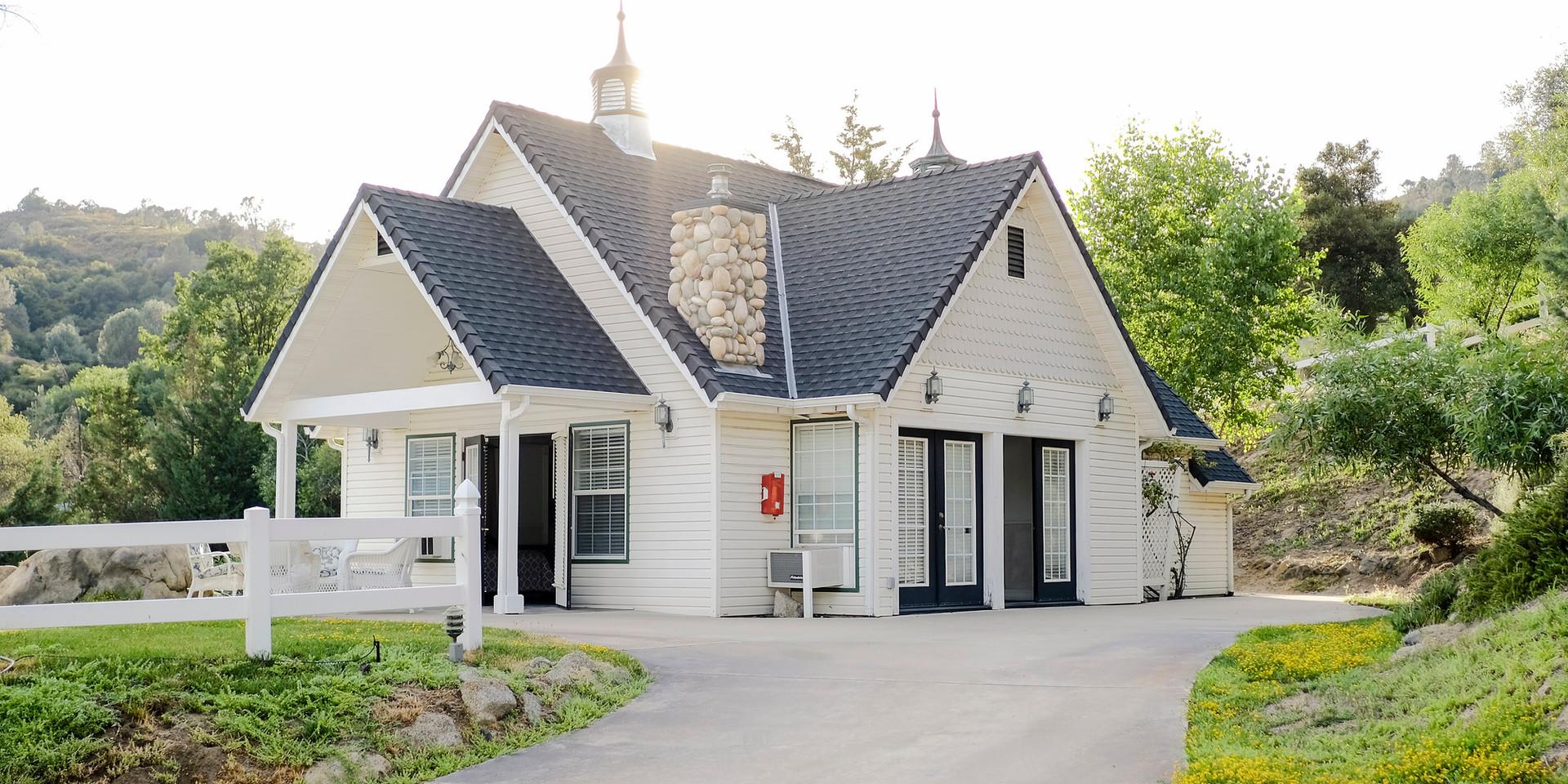 SUMMER HOUSE COTTAGE