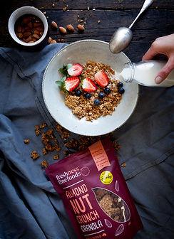 granola-almond-01.jpg
