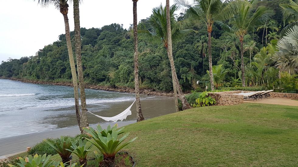 Casa Pé na Areia na Praia de Iporanga no Guarujá