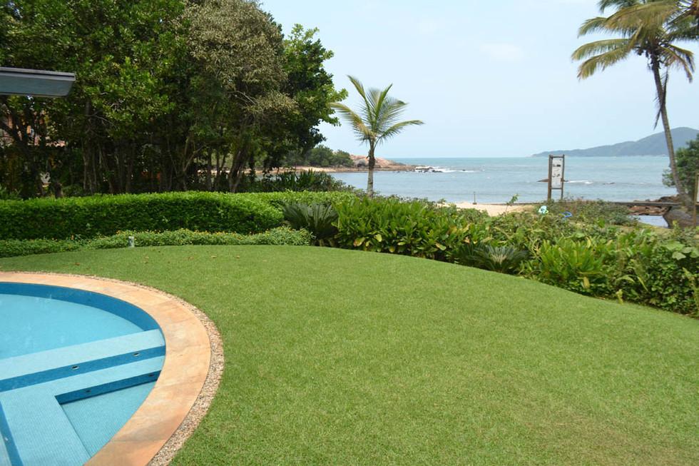 Pé na Areia na Praia das Conchas - Condomínio Iporanga