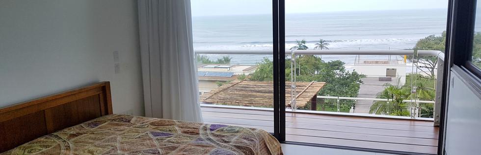 Casas no Condomínio Tijucopava a Venda e Locação Com vista para o Mar da Praia de Tijucopava no Guarujá