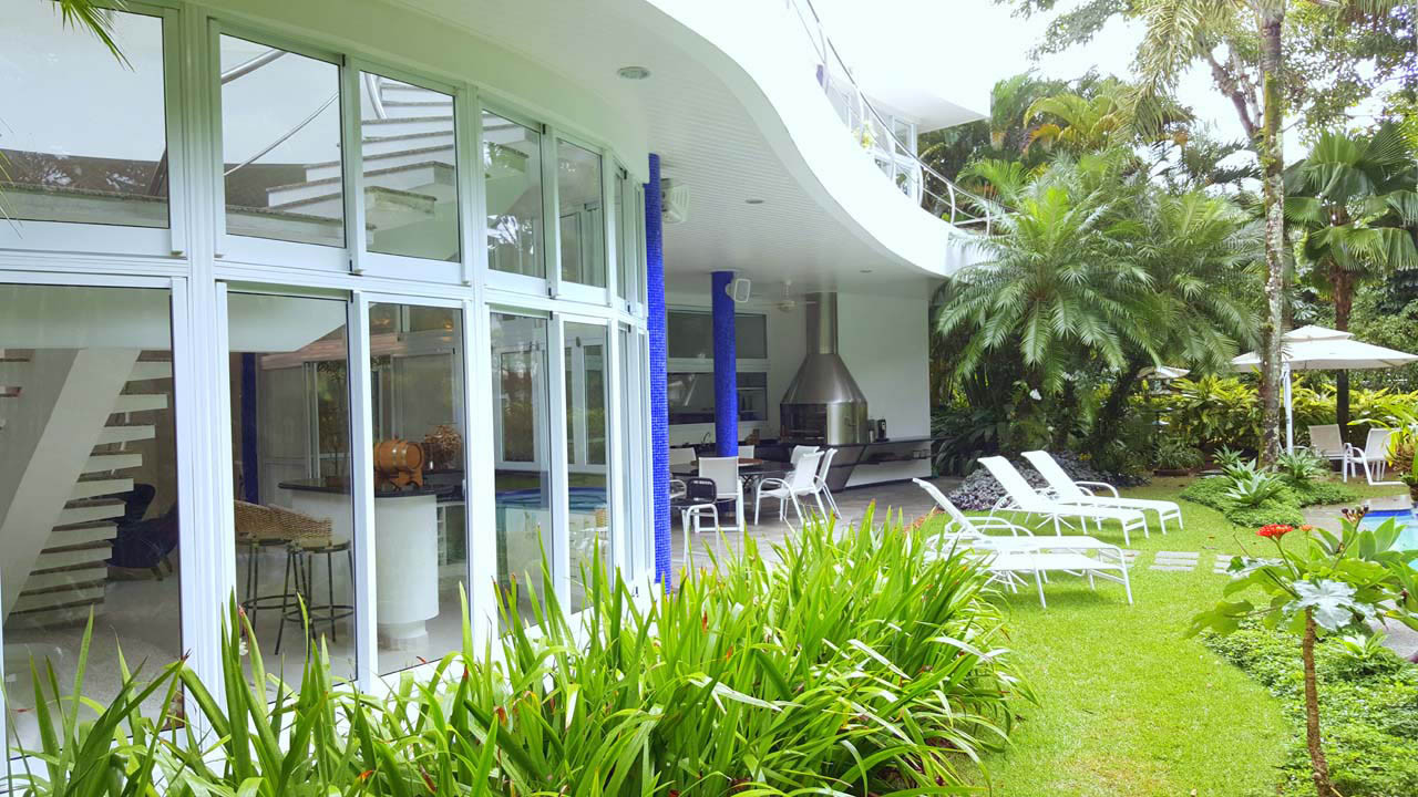 Imóveis na Praia das Conchas no Condomínio Iporanga