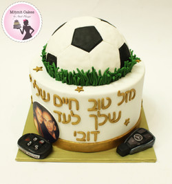 עוגת כדורגל ורכבים