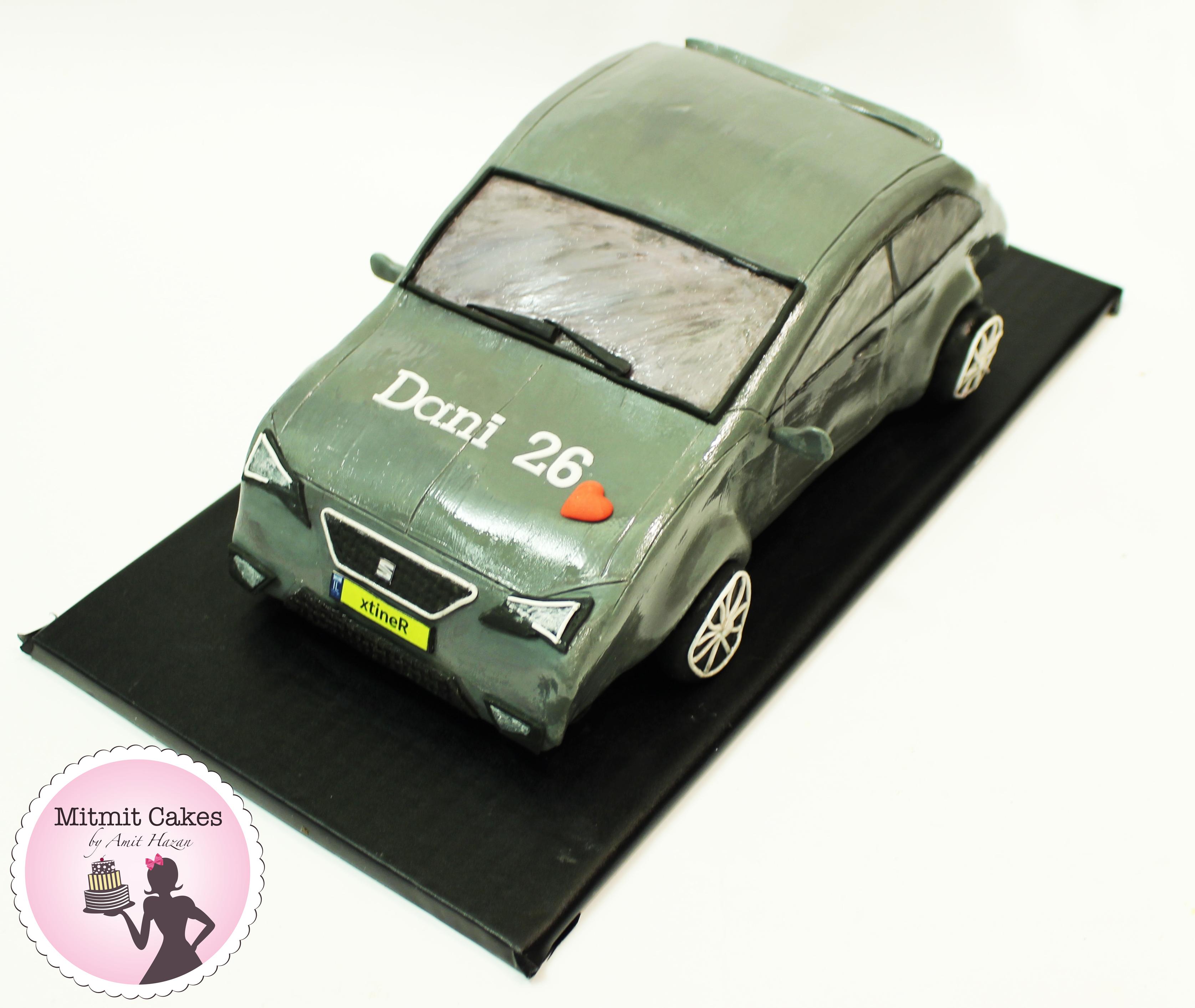 עוגה בצרת מכונית